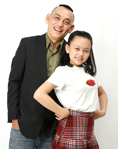 Cô bé triệu view Bào Ngư và ba - nhạc sĩ Yên Lam.