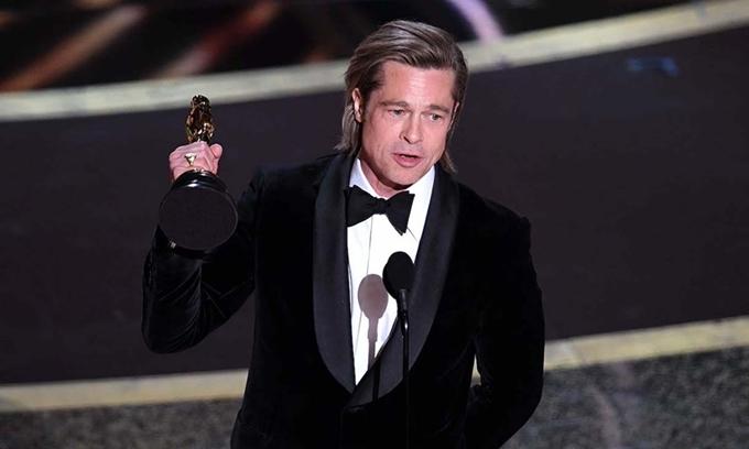 Brad Pitt thắng giải Nam diễn viên phụ xuất sắc tại Oscar lần thứ 92.