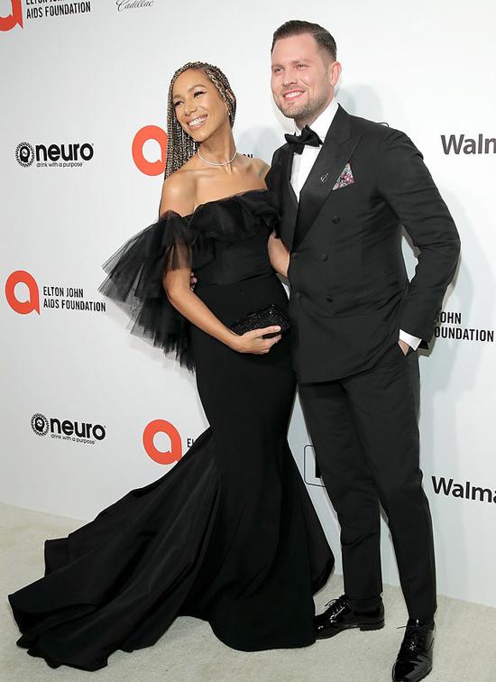 Ca sĩ Leona Lewis tình tứ bên bạn trai Dennis Jauch.