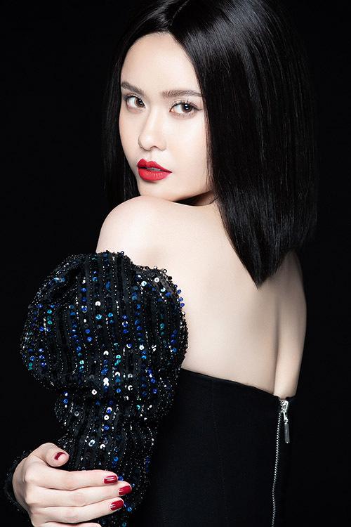 Năm nay Trương Quỳnh Anh vẫn hoạt động song song cả hai vai trò diễn viên phim truyền hình và ca sĩ.
