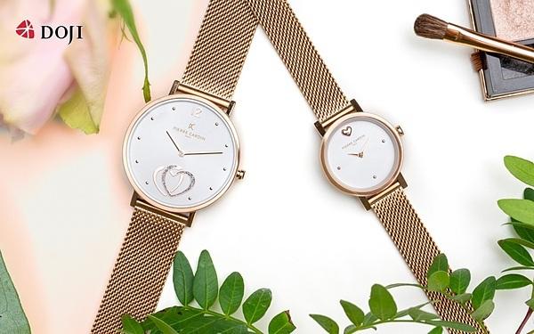 DOJI cũng áp dụng chương trình giảm trực tiếp 35% với đồng hồ Pierre Cardin và ưu đãi 20% đối với các thương hiệu đồng hồ khác.