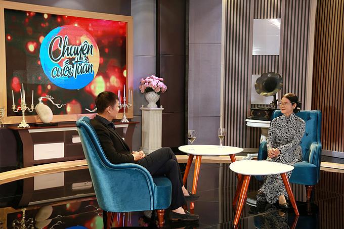 Đạo diễn Lê Hoàng và luật sư Trương Thị Hòa trong chương trình Chuyện cuối tuần phát sóng lúc 21h35 thứ bảy ngày 8/2 trên kênh VTV9.