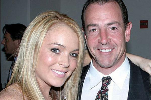 Lindsay Lohan và bố.