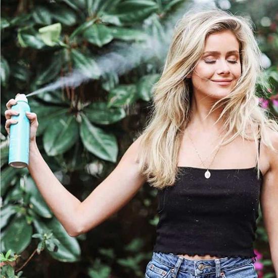 Các vitamin E và axit béo trong dầu argan giúpbảo vệ tóc và da đầu khỏi tác hại của nhiệt do các công cụ tạo kiểu.