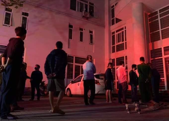 Người dân tháo chạy khỏi tòa nhà. Ảnh: Cảnh sát chữa cháy.