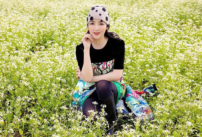Ở tuổi gần 50, Giáng My vẫn được gọi là mỹ nhân không tuổi của showbiz Việt. Chị sở hữu làn da trắng sáng, không tỳvết.