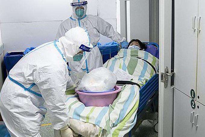 Bệnh nhân mắc bệnh hiểm nghèo bị lãng quên ở Vũ Hán - 1