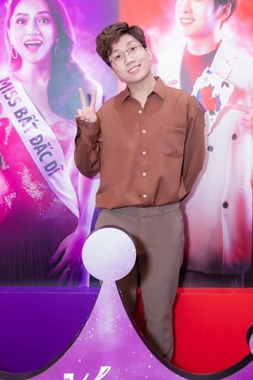 Diễn viên Phát La vào vai một chàng đồng tính dễ thương - bạn thân của Hương Giang.
