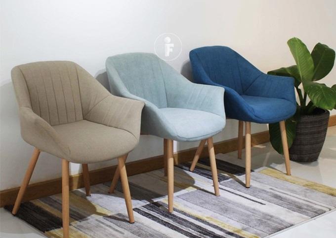 Ghế bọc vải chân sắt giả gỗ Furnist Dream thích hợp cho mọi không gian: nhà bếp, phòng khách, sân thượng, văn phòng làm việc, quầy bar, nhà hàng, cửa hàng, khách sạn... Vải bọc mềm, nệm mút êm; chân sắt màu như gỗ tự nhiên. Sản phẩm giảm 19% trên Shop VnExpress, còn 1.613.700 đồng (giá gốc 1,986 triệu).