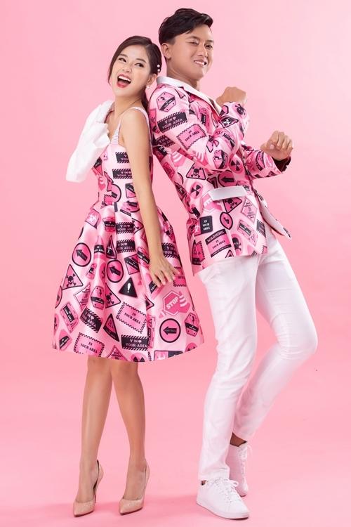 Ngoài bộ ảnh bên Quốc Anh và Khả Ngân, Hoàng Yến Chibi còn sở hữu một bộ hình Valentine khác với Quách Ngọc Tuyên - bạn diễn cặp của cô trong phim Cuốc xe nửa đêm. Cặp đôi thực hiện những shot hình với phong cách hài hước nhưng không kém ngọt ngào.