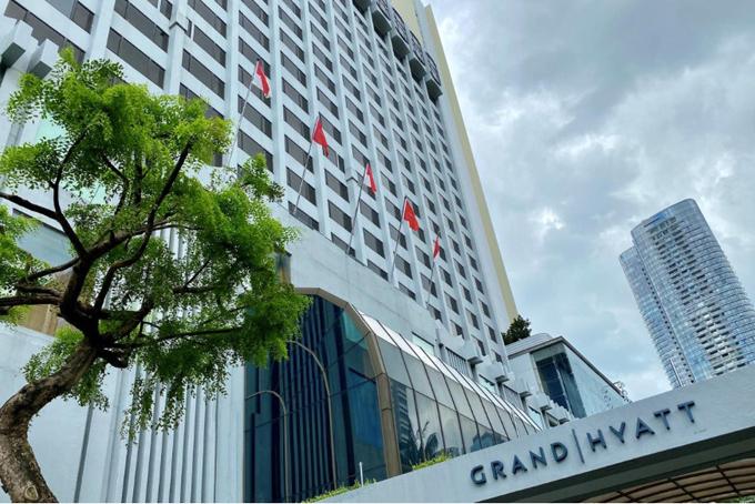 Khách sạn Grand Hyatt, nơi diễn ra cuộc họp của công tyServomexlàm lây lan virus corona trên toàn cầu. Ảnh: Reuters.