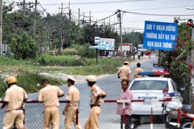 Sáng 14/2, cảnh sát vânphong tỏa khu vực nơi Tuấn Khỉ ẩn náu và bị tiêu diệt. Ảnh: Hữu Khoa.