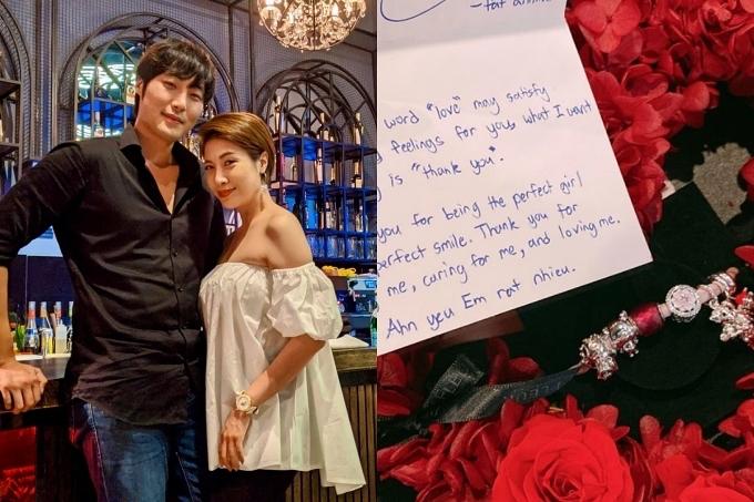 Ngoài hoa và quà, bạn trai trẻ tuổi của Pha Lê cũng tự tay viết thiệp gửi tặng nữ ca sĩ.