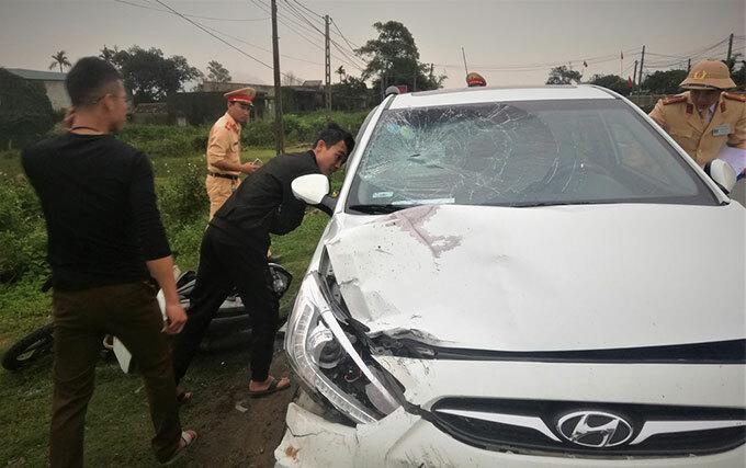 Ôtô gây tai nạn. Ảnh: T.Đ