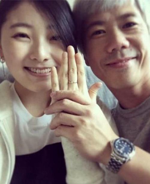 Tay trốngLai Man Wang và bạn gái.