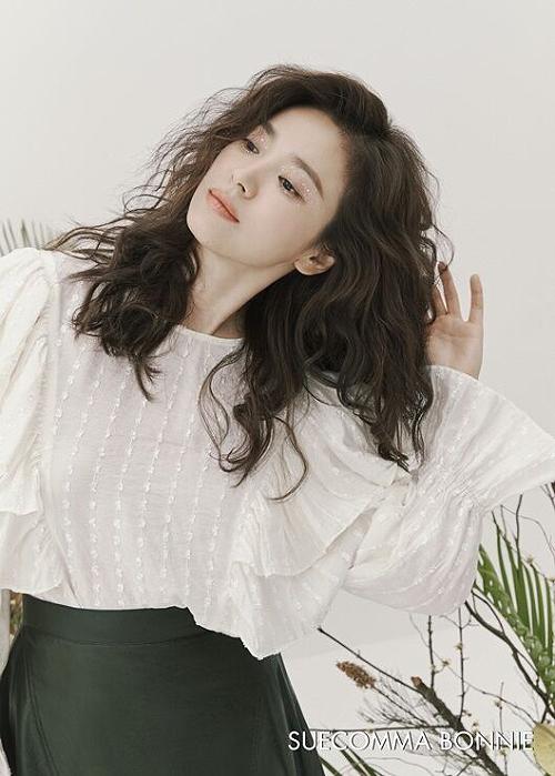 Song Hye Kyo để tóc xù - 5