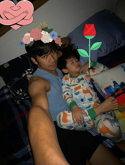 Ngọc Lan đăng ảnh Thanh Bình chụp cùng con trai trong ngày Valentine.