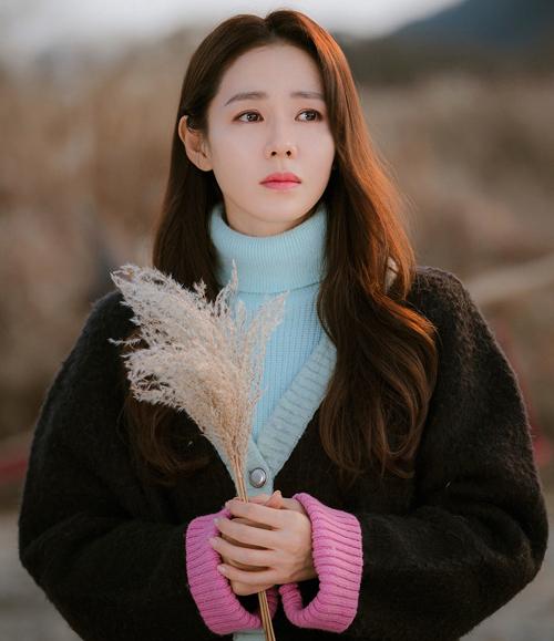 Mặc đẹp như Son Ye Jin trong Hạ cánh nơi anh - 7