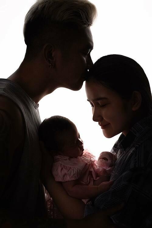 Huỳnh Như và Khánh Đơn vừa chào đơn con gái nhỏ chào đời vào tháng 9/2020.