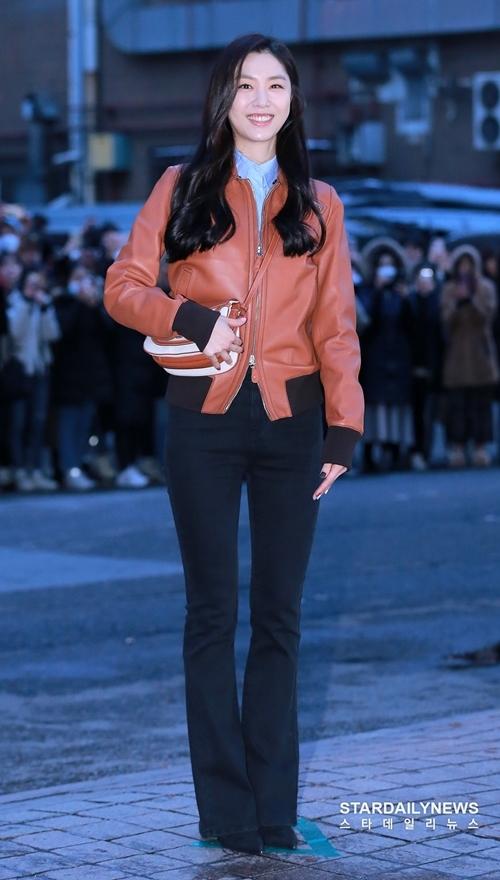 Seo Ji Hye vai tiểu thư Bắc Hàn Seo Dan. Vai diễn của cô được yêu thích khi kết hợp với Kim Jung Hyun.