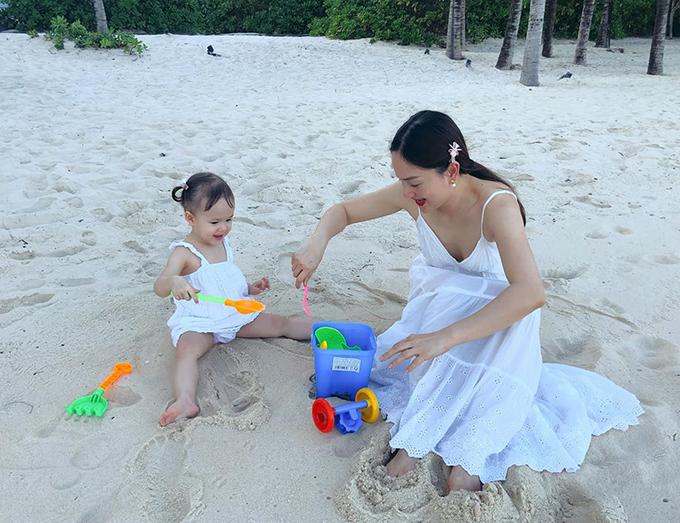 Lan Phương đưa con gái đi Phú Quốc tránhCovid-19 - 3