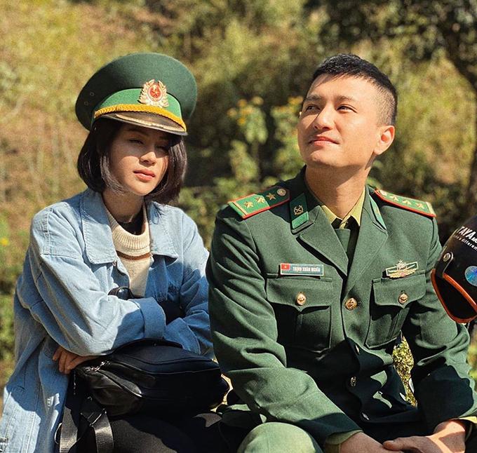 Lương Thu Trang đóng cặp với Huỳnh Anh trong phim Mùa xuân ở lại.
