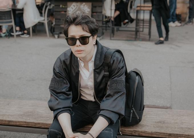 Chia sẻ về sự xuất hiện của Liz Kim Cương, Trịnh Thăng Bình nói: Chuyện chia tay của cả hai không ảnh hưởng đến một dự án đã được tính toán kỹ lưỡng. Hiện chúng tôi vẫn là cộng sự trong công việc và bạn bè hỗ trợ nhau trong cuộc sống.