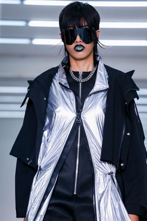 Tính tới hiện tại, Phương Oanh trúngđược 4 show của các nhà mốt và thương hiệu như 16Arlington , Fashion Hong Kong, Bosideng, Maison Margiela tại London Fashion Week mùa thu đông 2020.