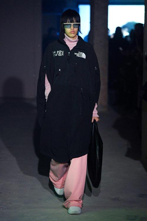 Làn đầu tiên người mẫu Việt được trình diễn trong show giới thiệu bộ sưu tập thu đông 2020 của thương hiệu Maison Margiela tại London Fashion Week.
