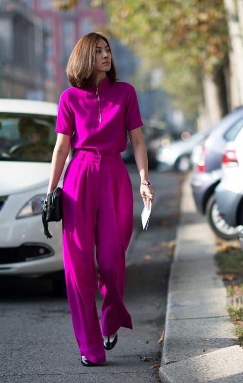 Suit tím hồng đậm cho các bạn gái yêu sắc màu lãng mạn và tôn nét nữ tính khi xuống phố, đến văn phòng.