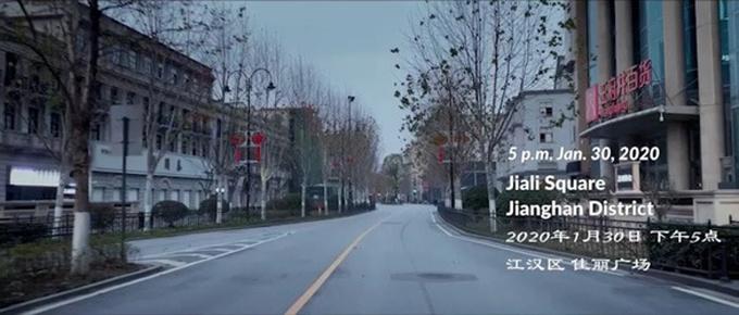 Khung cảnh thê lương không bóng người của thành phố Vũ Hán khi dịch Covid-19 bùng phát. Ảnh: Weibo.