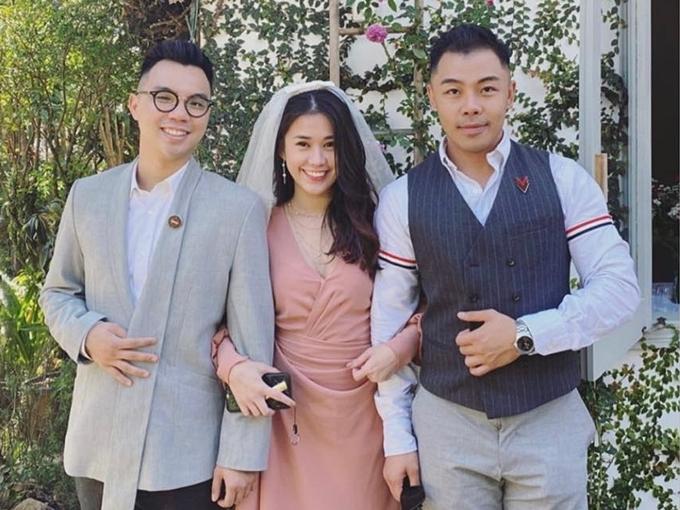 Diễn viên Ngọc Thảo (giữa) tham gia đội hình phụ dâu. Cô