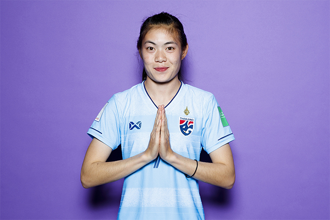 Silawan Intamee born 22 January 1994 ) is a Thai international footballer who plays as a midfielder.