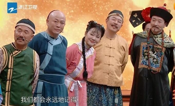 Các diễn viên phim Hoàn Châu cách cách hội ngộ trên sóng truyền hình.
