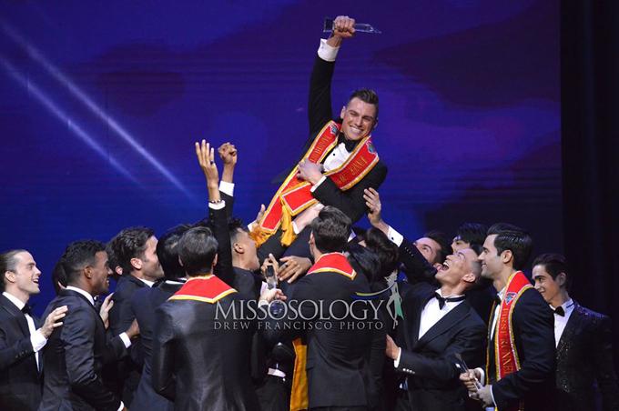 Paul Luzineau hạnh phúc khi đăng quang Manhunt International 2020.