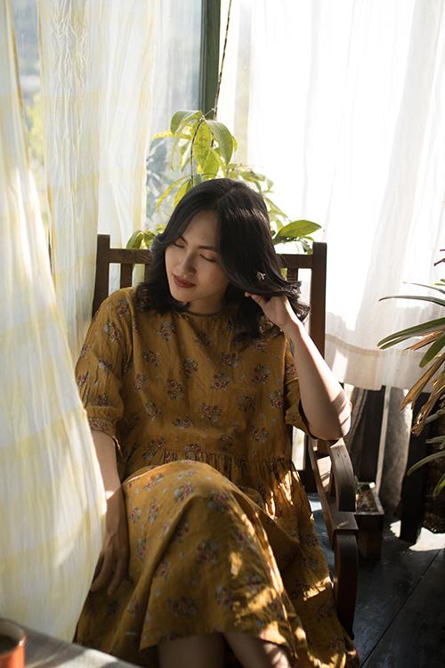 Nguyên Hà tại buổi ghi hình MV Chờ ngày lời hứa nở hoa.
