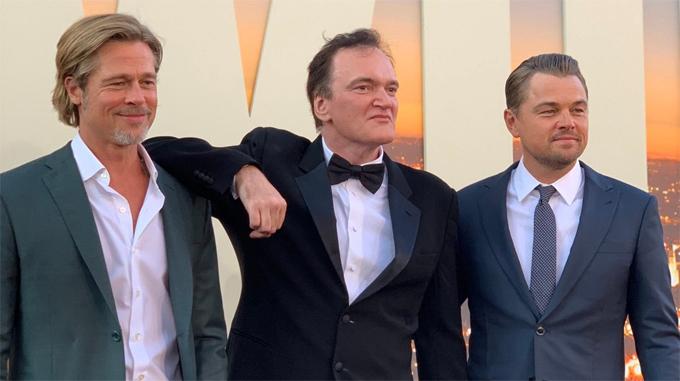 Quentin bên Brad Pitt và Leonardo DiCaprio tại lễ ra mắt phim Once Upon a Time in Hollywood.