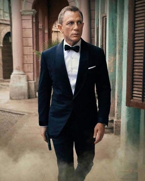 Daniel Craig đóng điệp viên 007 James Bond trong Không phải lúc chết.
