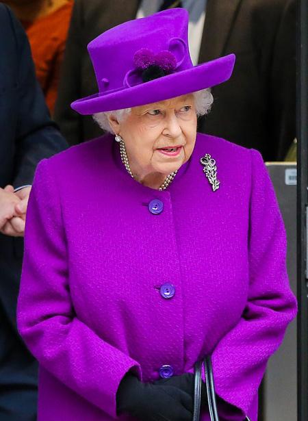 Nữ hoàng Elizabeth II đau lòng nhưng vẫn ủng hộ quyết định rời hoàng gia củavợ chồng cháu trai. Ảnh: Barcroft.