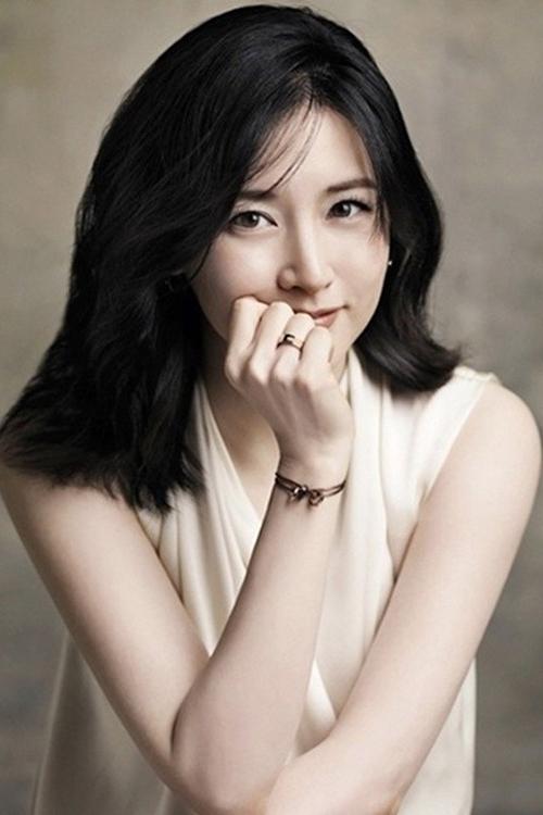Nàng Dae Jang Geum Lee Young Ae gửi tặng người dân Daegu 50 triệu Won với lời nhắn gửi: Có vẻ như tình hình đang dần tồi tệ hơn với người dân Daegu vì dịch Covid-19. Gia đình tôi hy vọng người dân Daegu có thể vượt qua giai đoạn khó khăn này.
