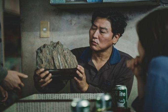 Sao phim Ký sinh trùng Song Kang Ho cũng tham gia quyên góp 100 triệu Won.