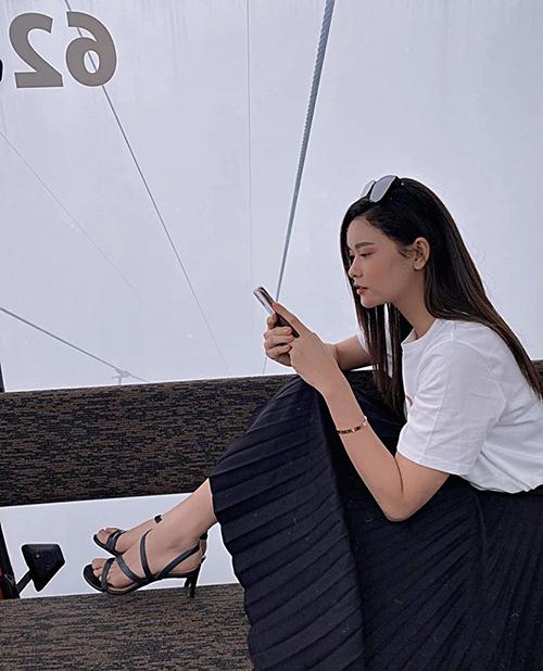 Giữa lúc Tim đăng status ẩn ý muốn tái hợp, Trương Quỳnh Anh cho rằng: Để gặp nhau thì cần có duyên, còn để ở bên nhau không phải cần có phận...mà cần có rất nhiều cố gắng.