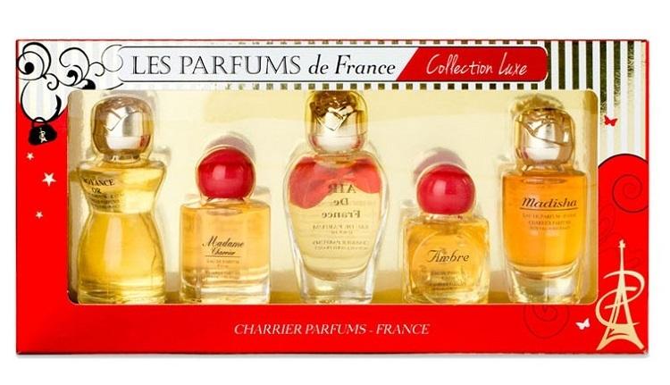 Bộ 5 chai nước hoa nữ Charrier Parfums Collection Luxe có giá ưu đãi đến 38%, giảm còn 584.000 đồng (giá gốc 949.000 đồng). Bộ sản phẩm với 5 hương nước hoa khác nhau, đa dạng phong cách cho các nàng, gồm: Air de France 8,5 ml; Ambre 10,5 ml; Croyance Or 12 ml; Madame Charrier 9,3 ml; Madisha9,4 ml. Phiên bản mini có kích thước nhỏ, thích hợp mang theo đi làm, đi chơi hoặc đi du lịch.