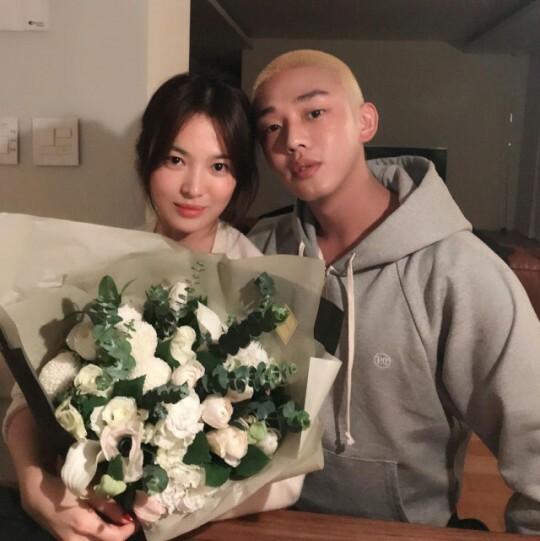Song Hye Kyo và Yoo Ah In bị chỉ trích tại Hàn Quốc.
