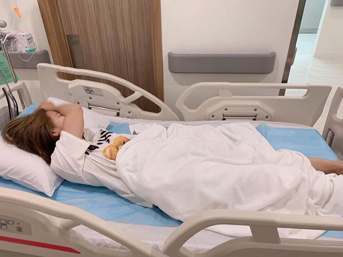 Ngọc Lan tại bệnh viện tối 2/3.