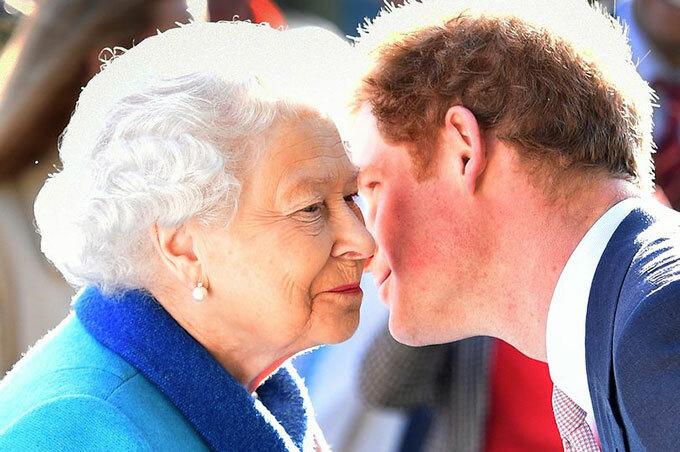 Nữ hoàng nói luôn chào đón Harry quay lại