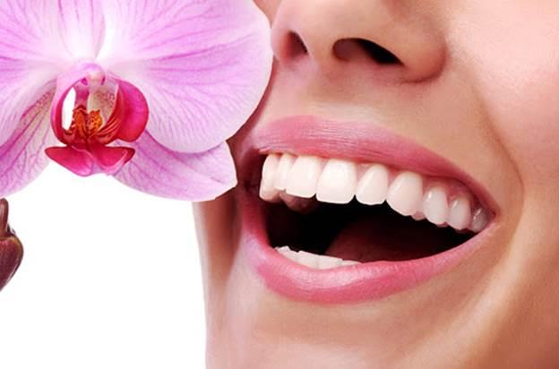Phủ răng sứ giúp cải thiện nụ cười cho nhiều người.