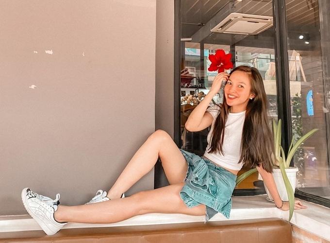 Hơn một năm qua, Hiền Thục sang Mỹ sinh sống với mục đích chính là tìm trường học cho con gái Gia Bảo. Song từ đầu năm nay, cô bất ngờ trở về Việt Nam.