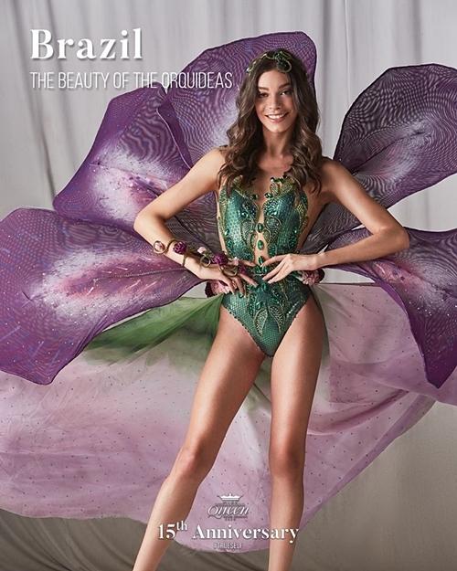 Thí sinh Brazil diện thiết kế lấy cảm hứng từ hoa lan, trong đó điểm nhấn là bộ bikini