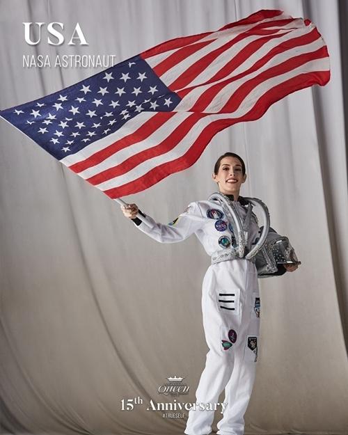 Hoa hậu Mỹ hóa thân thành một nhà du hành vũ trụ Nasa.